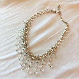 Pretty gold statement necklace 💕